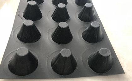 凹凸排水板